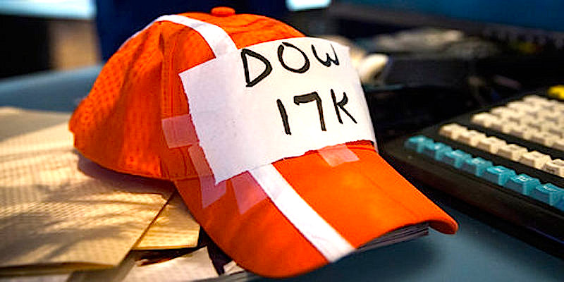 Dow Closes Above 17,000 as Stock Rally OutpacesEconomy