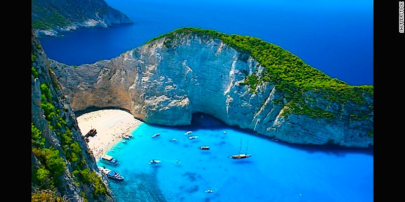 20 stunning cliffside beaches