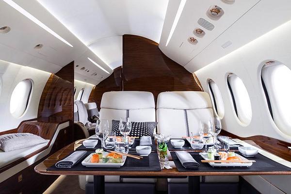 103770783-falcon_7x_interior-600x400